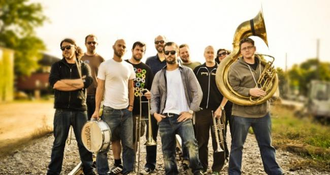 Youngblood Brass Band à l'Epicerie Moderne