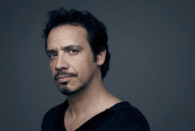 Alexandre Astier, OVNI théâtral